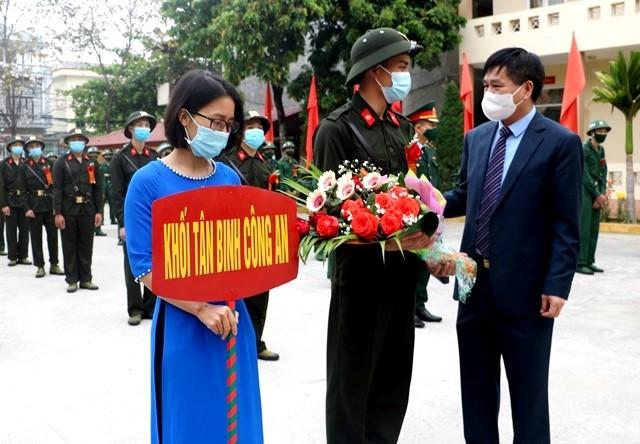 VPUB - Thành phố Điện Biên Phủ tổ chức Lễ giao, nhận quân năm 2021